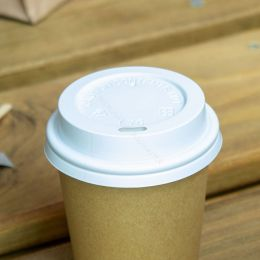 White travel lid for takeaway coffee cup 177cc 6.5oz